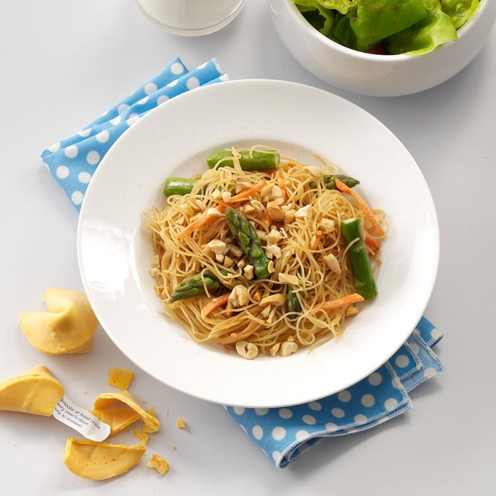 Asian Vegetable Pasta Exps30307 Thhc2377560c03 07 4bc Rms 2
