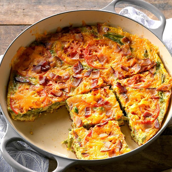 Bacon And Asparagus Frittata Exps Tham18 2709 D11 07 3b 2