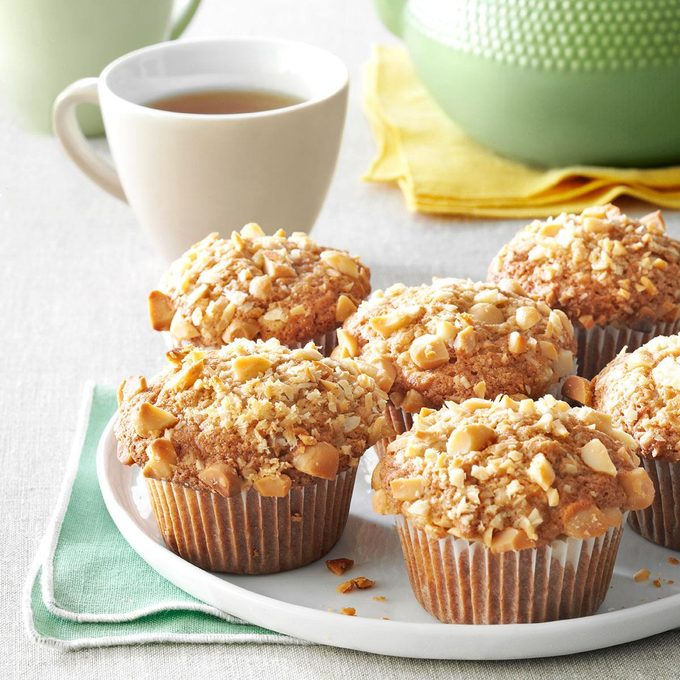 Banana Macadamia Muffins Exps36760 Fm143298d03 06 1bc Rms 7