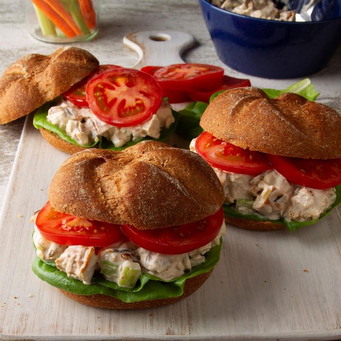 Barbecued Chicken Salad Sandwiches Exps Ft20 23027 F 0312 1 3