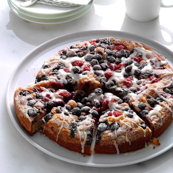 Berry Topped Coffee Cake Exps Hck17 104568 B08 24 5b