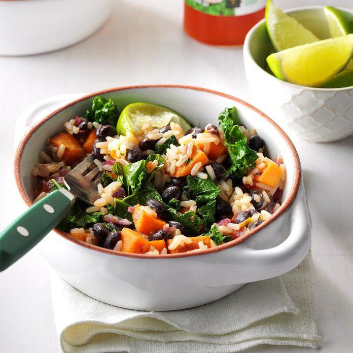 Black Bean Sweet Potato Rice Bowls Exps Sddj17 195354 D08 03 3b 7