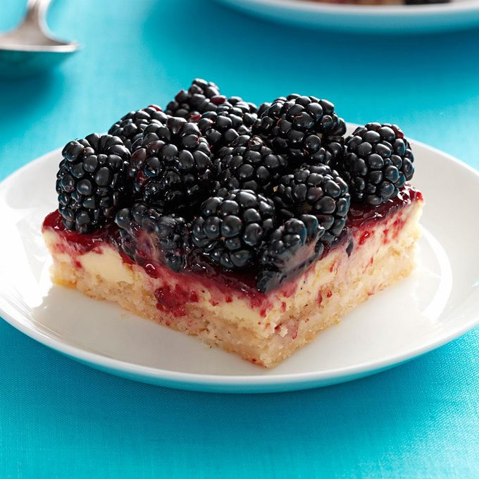 Blackberry Cheesecake Bars Exps48181 Th2847295c03 01 2bc Rms 2