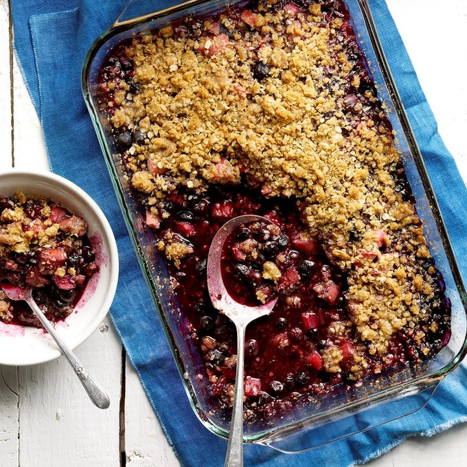 Blueberry Rhubarb Crumble Exps Bdsmz17 37476 B03 02 4b 4