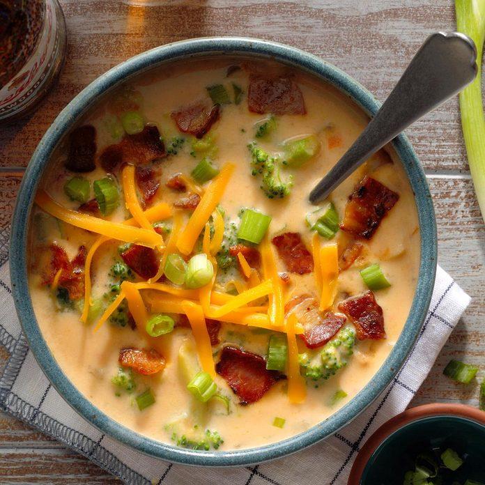 Broccoli Beer Cheese Soup Exps Ssmz20 44950 B10 08 4b 9