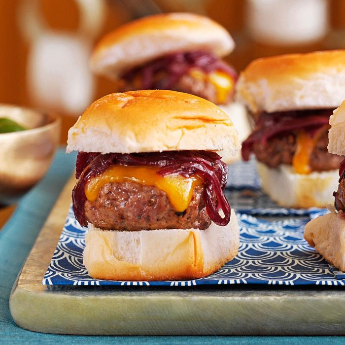 Cheddar Onion Beef Sliders Exps167980 Th133086c08 02 3bc Rms 3