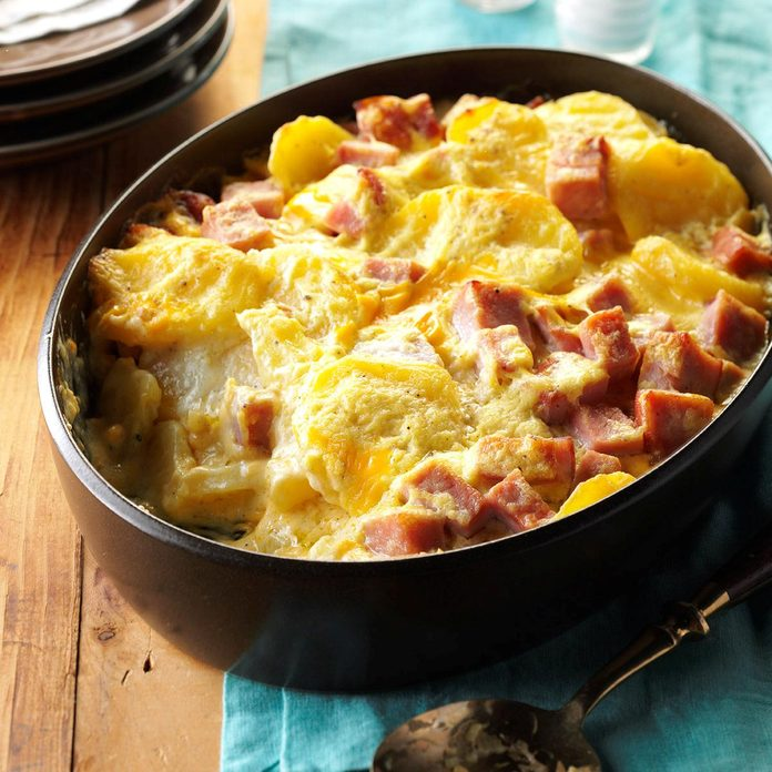 Cheesy Scalloped Potatoes & Ham