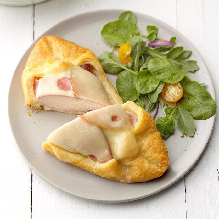 Chicken Cordon Bleu In Pastry Exps Sddj19 29991 B07 13 10b 3