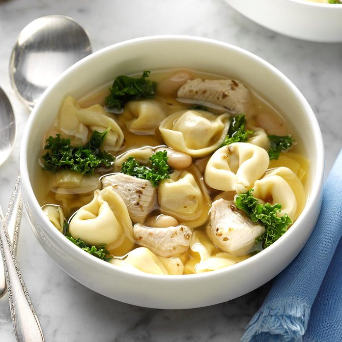 Chicken And Kale Tortellini Soup Exps Sdam18 132622 B11 28 1b 3