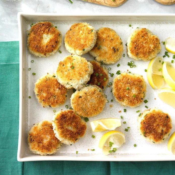 Chive Crab Cakes Exps Hrbz17 35068 C08 30 4b 2