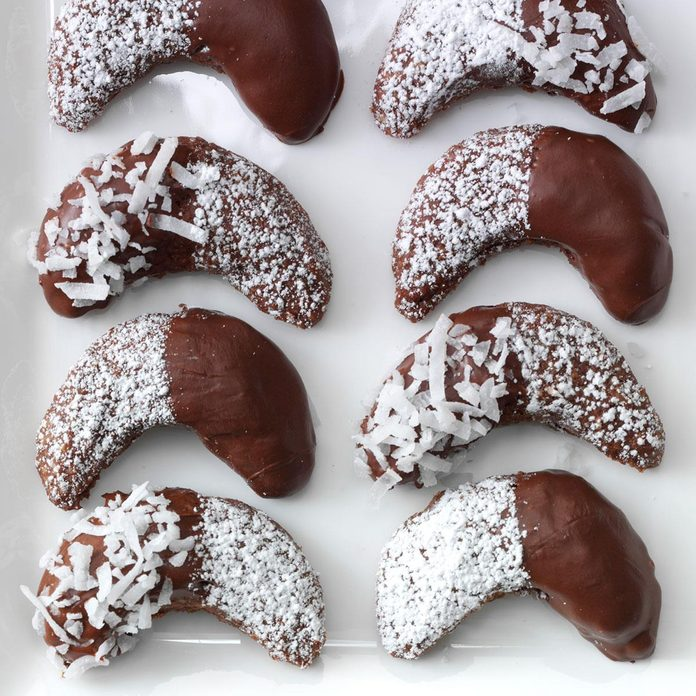 Chocolate Almond Crescents Exps34341 Sd142780c08 08 4bc Rms 1