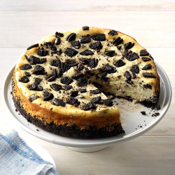 Chocolate Cookie Cheesecake Exps Thca19 38198 C02 21 3b 2
