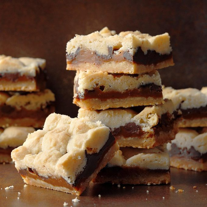 Chocolate Salted Caramel Bars Exps Fbmz18 186032 B05 11 1b 2
