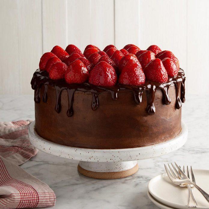 Chocolate Strawberry Celebration Cake Exps Ft20 46655 F 0716 1 4