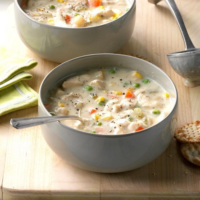 Chunky Creamy Chicken Soup Exps Hscbz17 31864 D07 26 2b 3