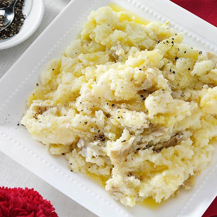 Chunky Garlic Mashed Potatoes Exps89339 Th2236622b08 10 7bc Rms 2