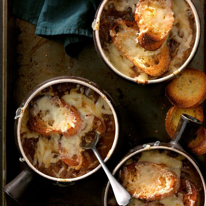 Classic French Onion Soup Exps Thfm18 160479 D10 17 2b 10