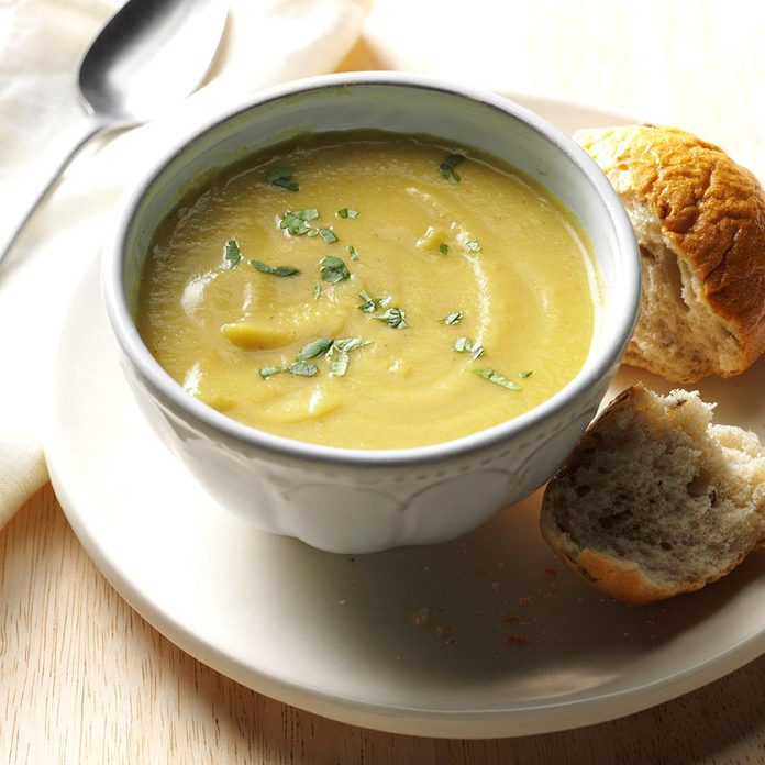 Coconut Curry Cauliflower Soup Exps Thn16 177635 06b 15 5b 8