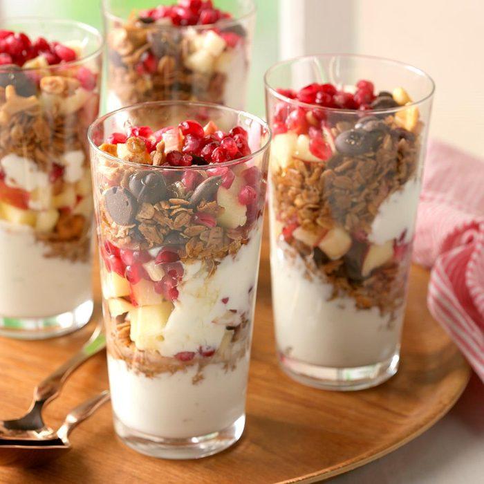 Coconut Granola Yogurt Parfaits Exps Cmz18 163536 D10 26 3b 195