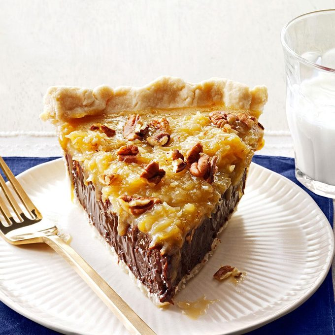 Coconut Pecan German Chocolate Pie Exps169793 Th133086a07 23 6b Rms 7