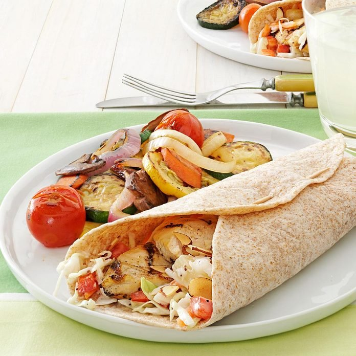 Coleslaw Chicken Wraps Exps147003 Th2377560a02 28 3bc Rms 4