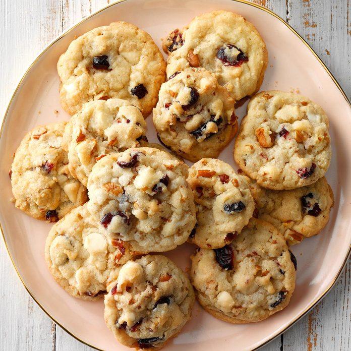 Cranberry Pecan Cookies Exps Hccbz18 37302 D05 07 1b 2