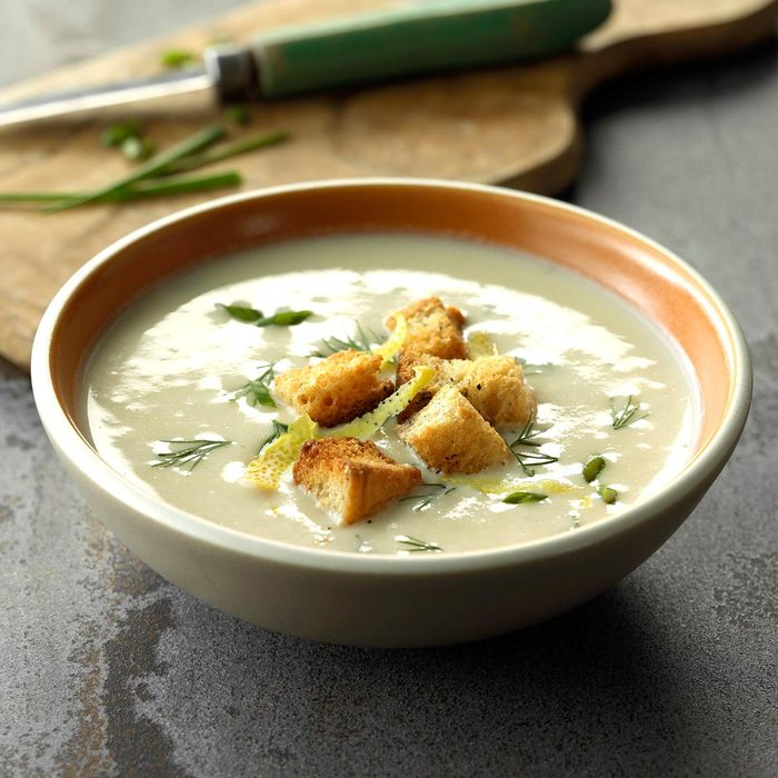 Creamy Cauliflower & Goat Cheese Soup