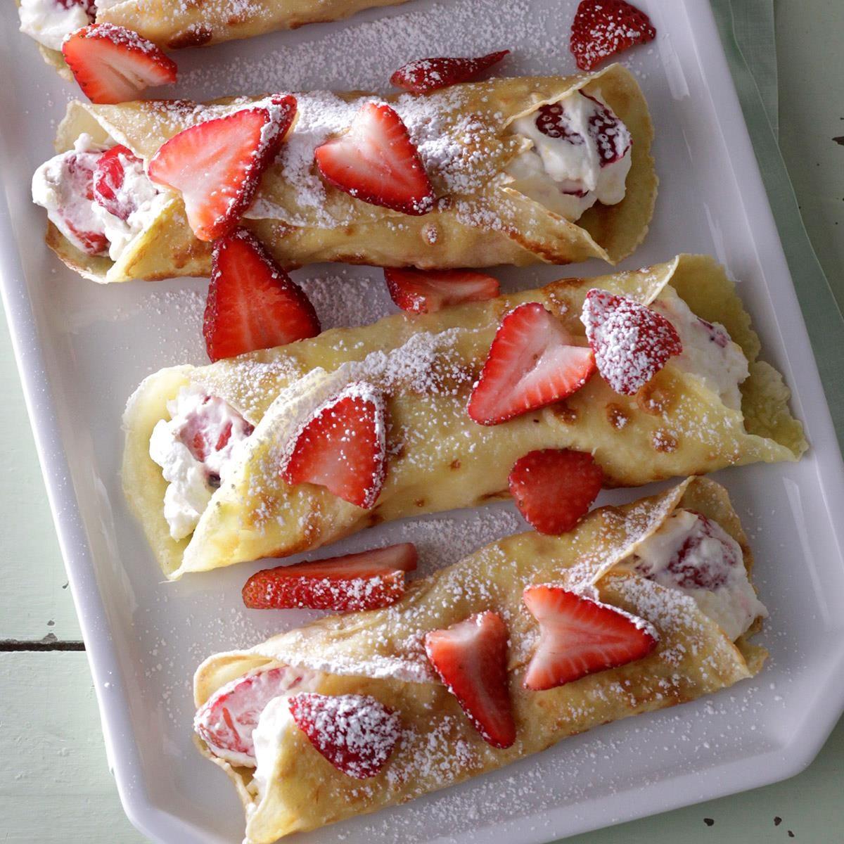 Creamy Strawberry Crepes Exps Sdjj18 23316 D02 13 7b 7