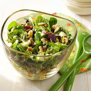 Crunchy Apple Mixed Greens Salad