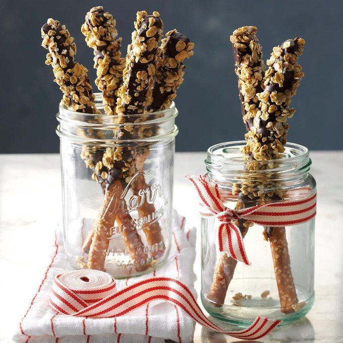 Crunchy Granola Pretzel Sticks Exps Cbz16 193410 D05 20 5b 4