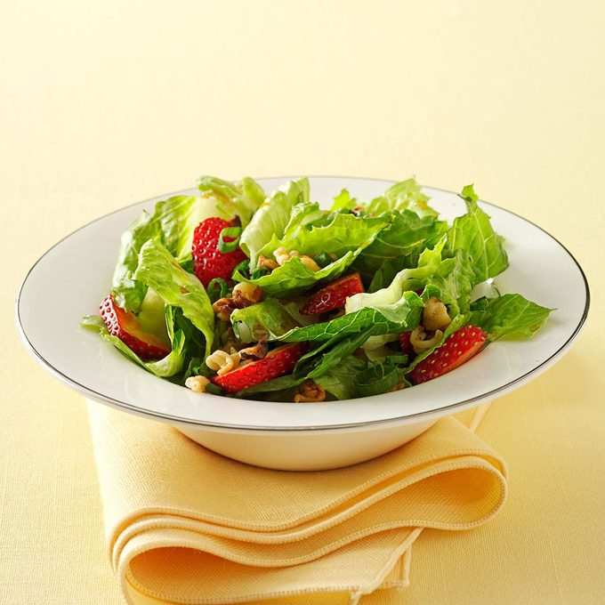 Crunchy Romaine Strawberry Salad Exps33043 Sd1999447c12 09 2bc Rms 2