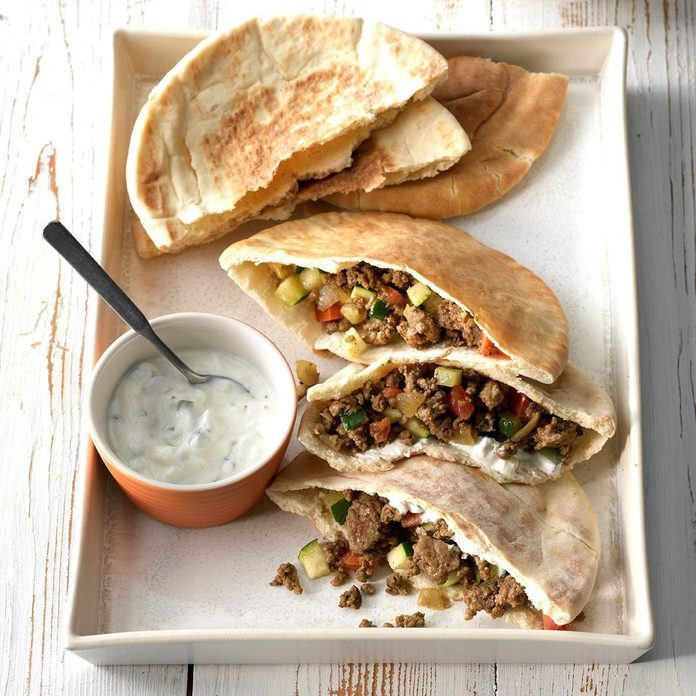Curried Beef Pita Pockets Exps Sdfm19 5897 C10 17 3b 4