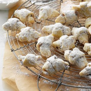 Holiday Kipferl Cookie