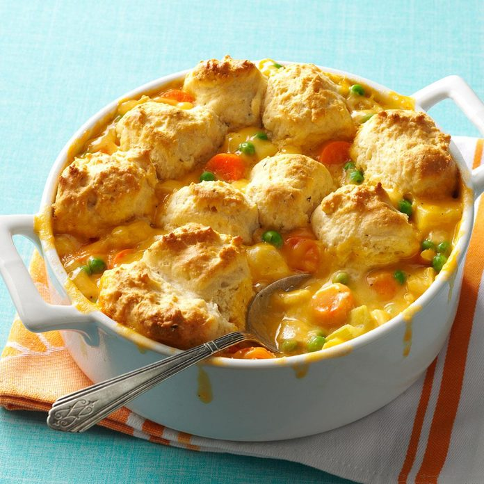 Easy Cheddar Chicken Potpie Exps159484 Odm143314b11 08 2bc Rms 2