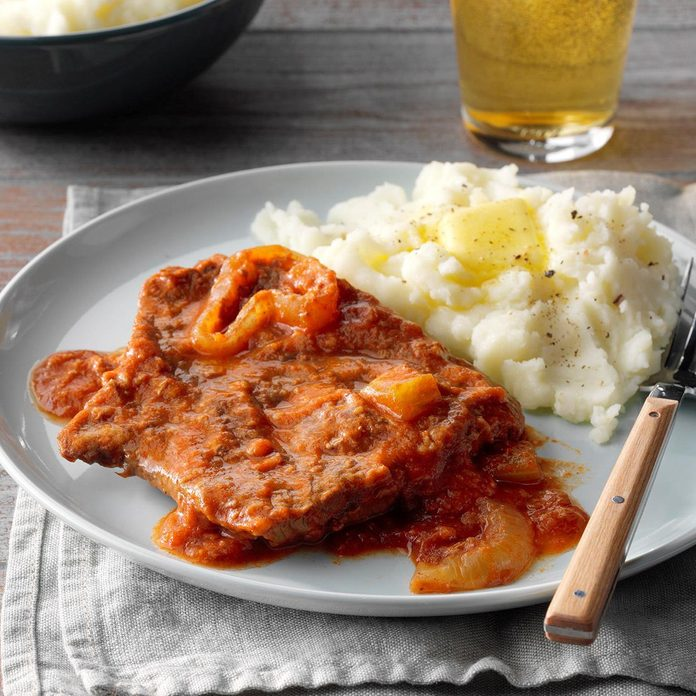 Easy Slow Cooked Swiss Steak Exps Cf2bz19 31586 E12 14 3b 4