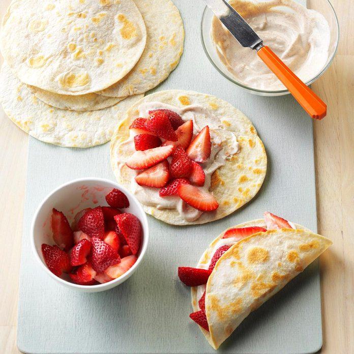 Fresh Strawberry Breakfast Tacos Exps Bbbz16 194812 D07 08 6b 7