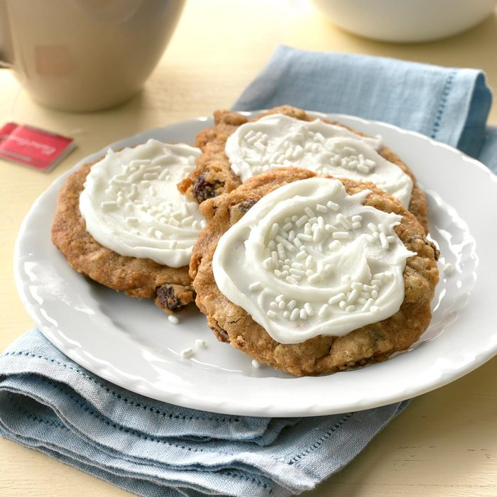 Frosted Oatmeal Cookies Exps Ucsbz17 117360 D05 17 5b 3