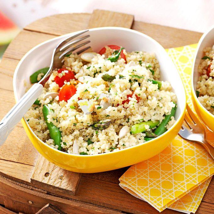 Garden Quinoa Salad Exps157354 Th2847295c02 27 1bc Rms 2