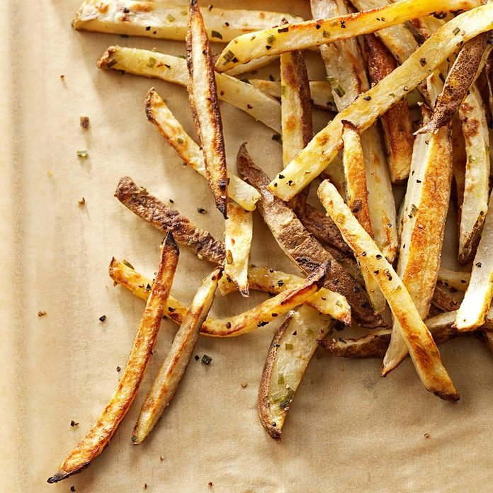 Garlic Chive Baked Fries Exps136044 Thhc2236536a05 20 10bc Rms 3
