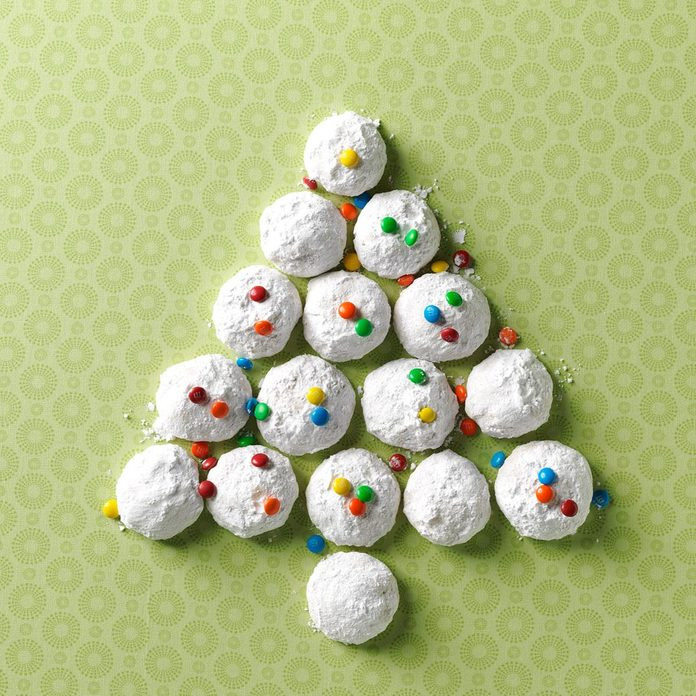 Ginger Macadamia Nut Snowballs Exps78448 Th2379806a09 04 5b Rms 4