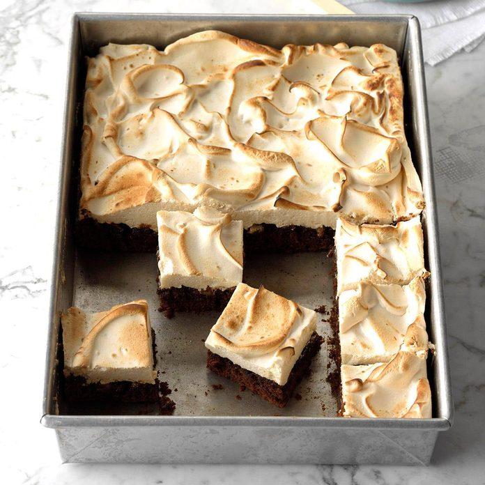 Gingerbread Meringue Bars Exps Gbhrbz18 160186 C06 20 2b 4