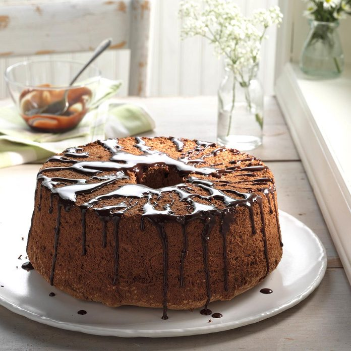 Glazed Chocolate Angel Food Cake Exps Hc17 32987 D11 02 6b 4