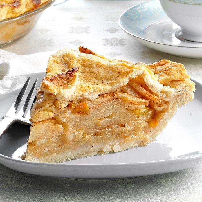 Golden Harvest Apple Pie