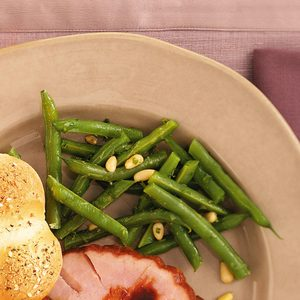 Green Beans with Lemon and Pine Nuts