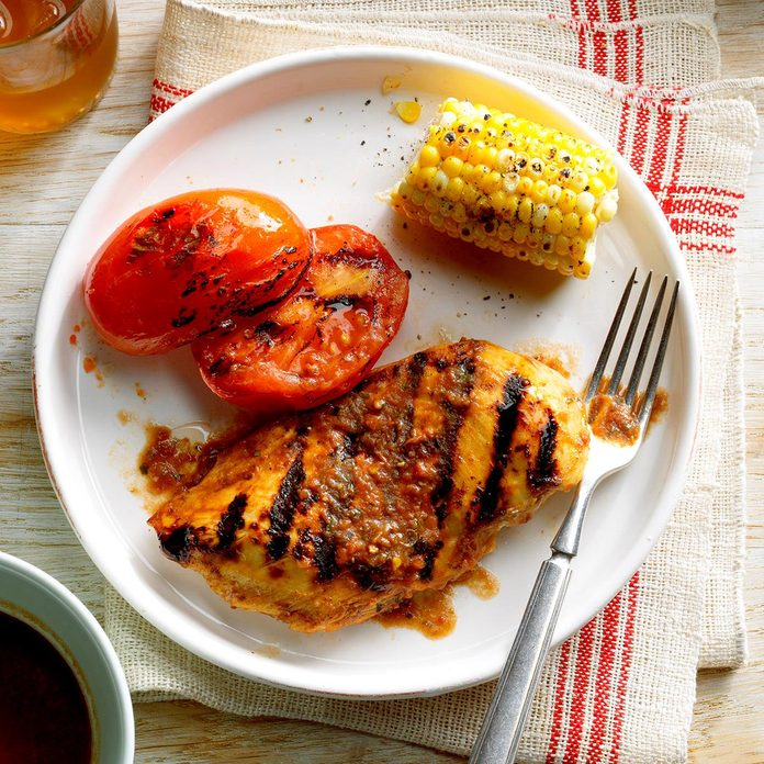 Grilled Basil Chicken And Tomatoes Exps Dsbz17 37304 B01 19 5b 2