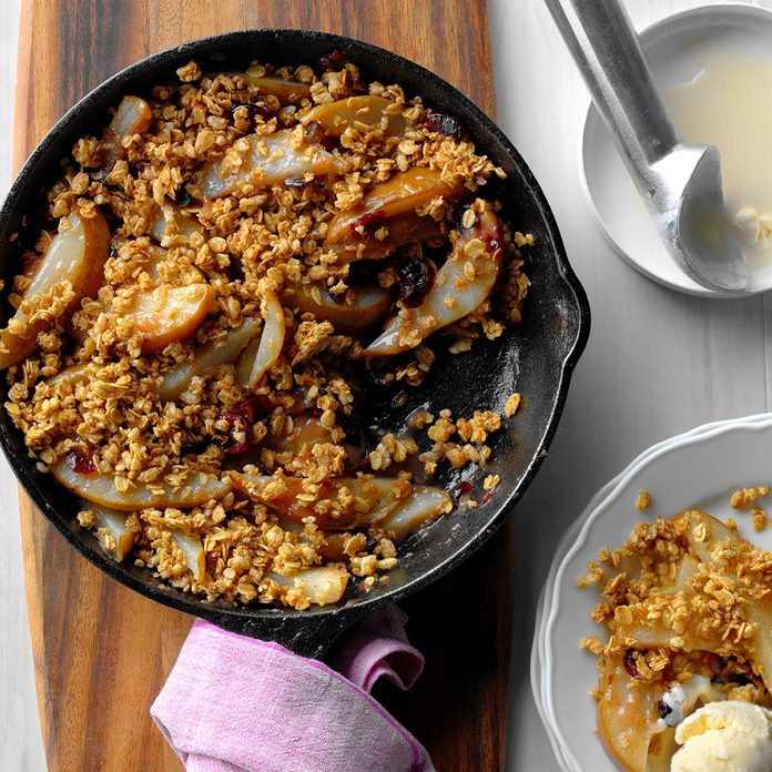 Grilled Cranberry Pear Crumble Exps Hck17 186040 B10 18 5b 2
