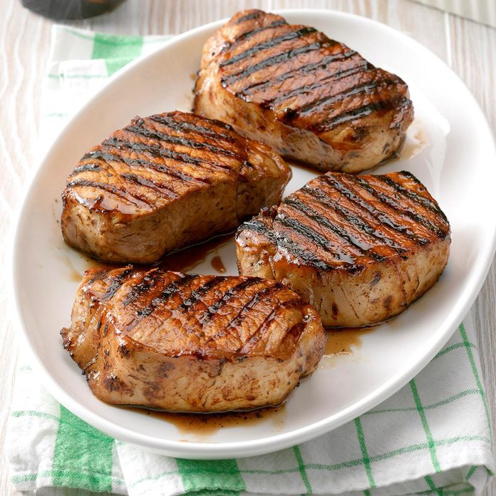 Grilled Maple Pork Chops Exps Fttmz19 113362 C03 05 4b Rms 3