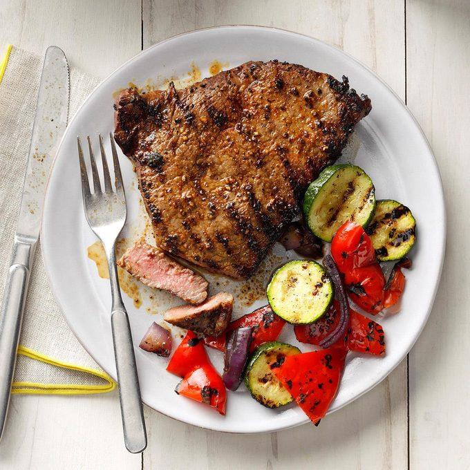 Grilled Peppered Steaks Exps Sdjj19 23980 B02 07 3b 2