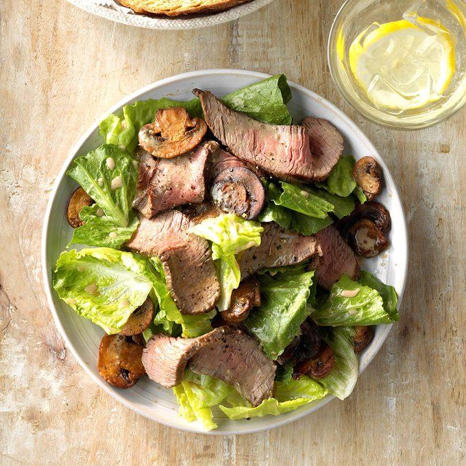 Grilled Steak And Mushroom Salad Exps Sdas18 34012 C03 30  1b 3