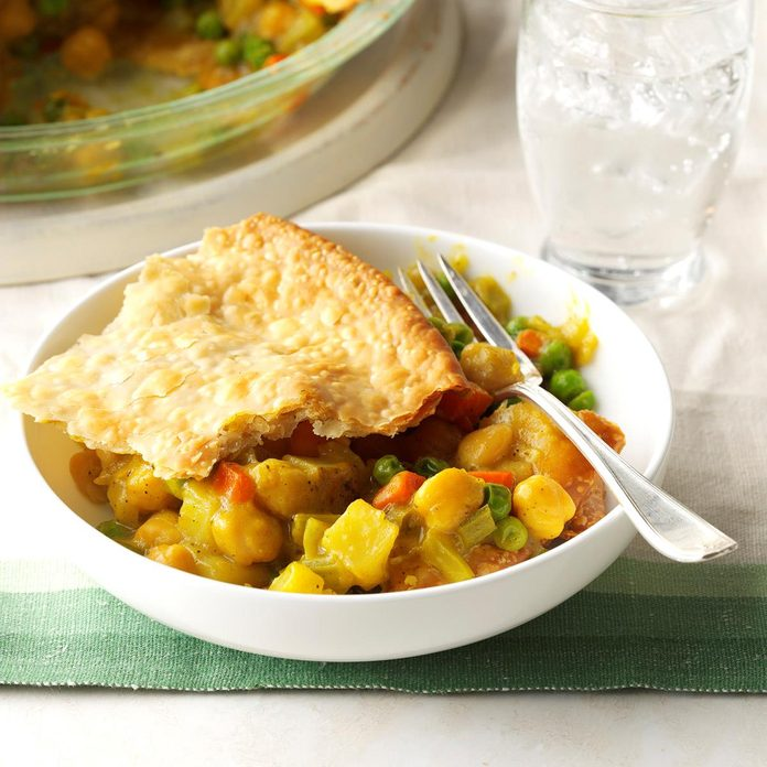 Hearty Chickpea Potpie Exps Tham17 199808 C11 11 2b 5